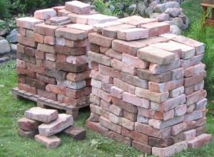 alte Ziegelsteine für das Gewächshaus